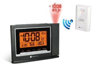 ambient-weather-ws-8365-clearview-projection-clock-with-indoor-and-outdoor-temperature